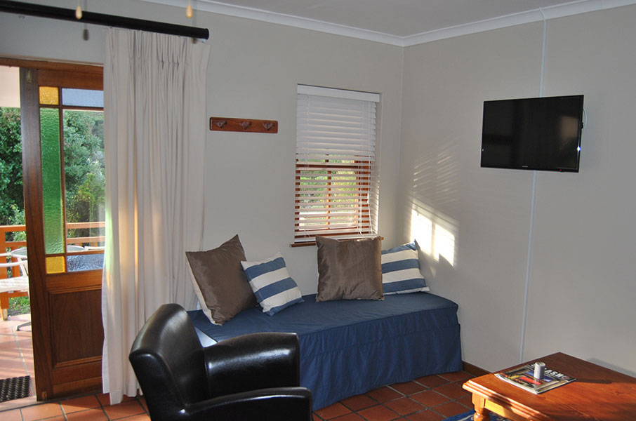 Robins Nest Self Catering Guest House, Room 2, Lounge View