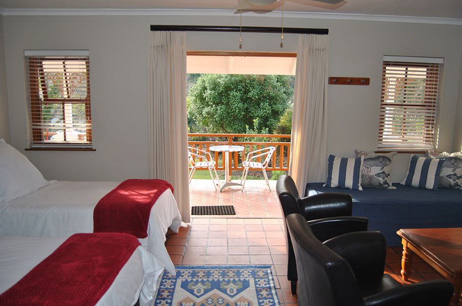 Robin's Nest Self Catering Guest House - Room 2, Twin or Kingsize Room